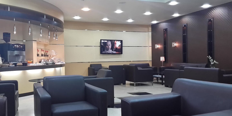 1. Al Ghazal Lounge by Plaza Premium Lounge, Terminal 2, Abu Dhabi International Airport — 21.45 (28.76)